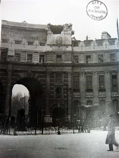Photo:Damage to Admiralty Arch, April 1941
