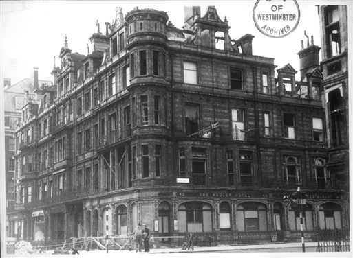 Photo:Mount Street/Audley Hotel damage, April 1941